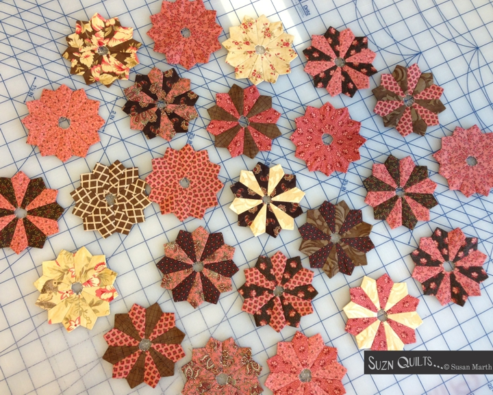 Suzn+Quilts+Tiny+Dresdens+wo+centers9-7-15