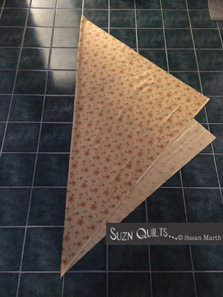 Suzn+Quilts+fold+diagonally