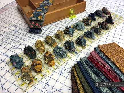 Suzn+Quilts+Morris+petal+stacks