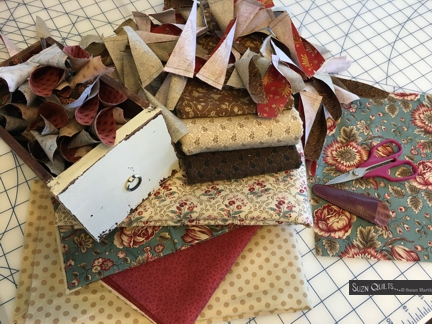 Suzn+Quilts+Sewing+Gratitude+Cause+petals